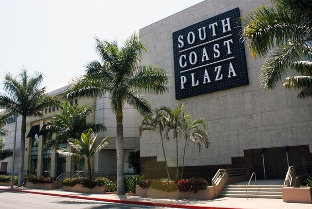 COSTA MESA: A THRIVING RETAIL SCENE